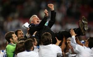 Carlo powinien zostać.